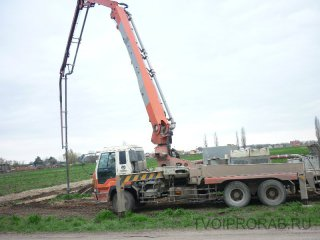 заливка фундамента бетононасосом