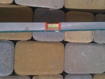 Проверка уровня тротуарной плитки