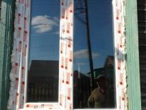 Запенивание пластикового окна