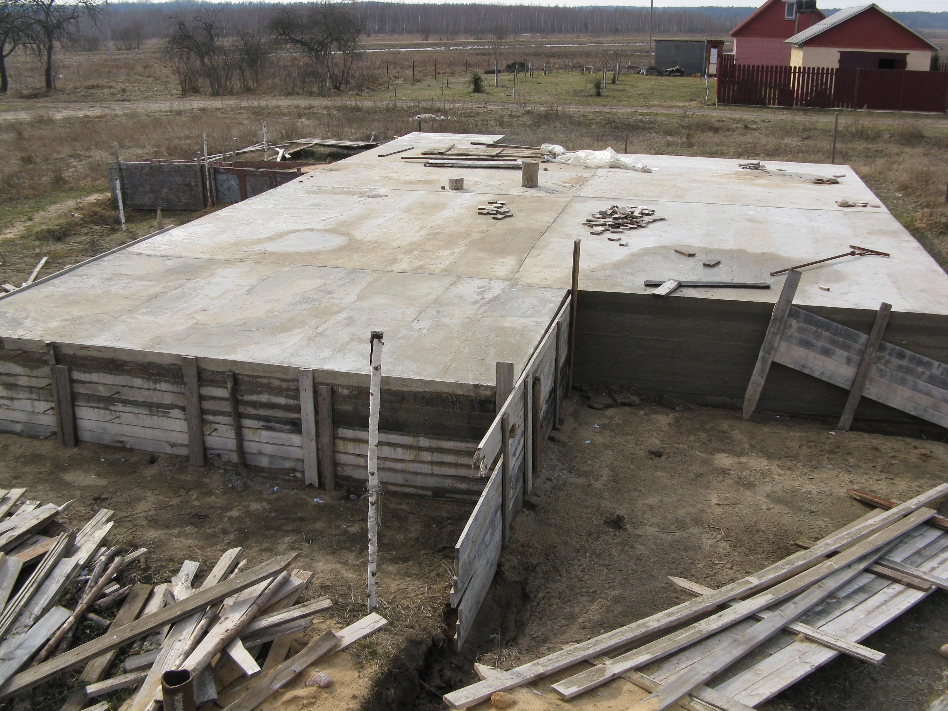 Как залить фундамент под дом своими руками бетономешалкой
